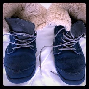 Boys a blue size six winter boots uggs